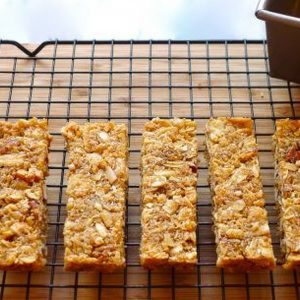 Almond Pretzel Snack Bars