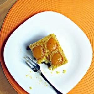 Apricot dessert cake