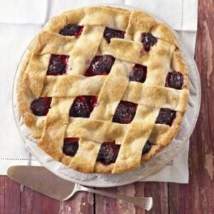 Farmhouse Blackberry & Apple Pie