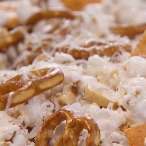 Parmesan Popcorn Mix