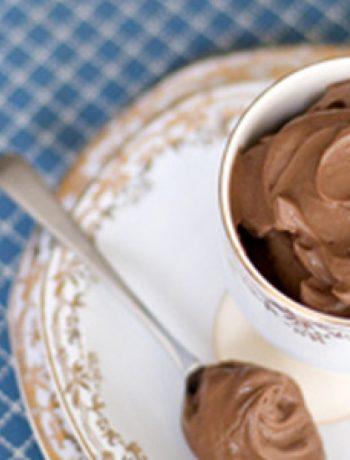 Amaretto-Spiked Vegan Chocolate Mousse Recipe